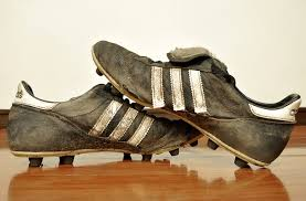 How I Met Your Father – The Dirty  Soccer Shoe