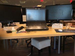 megg-gawat-work-desk-small